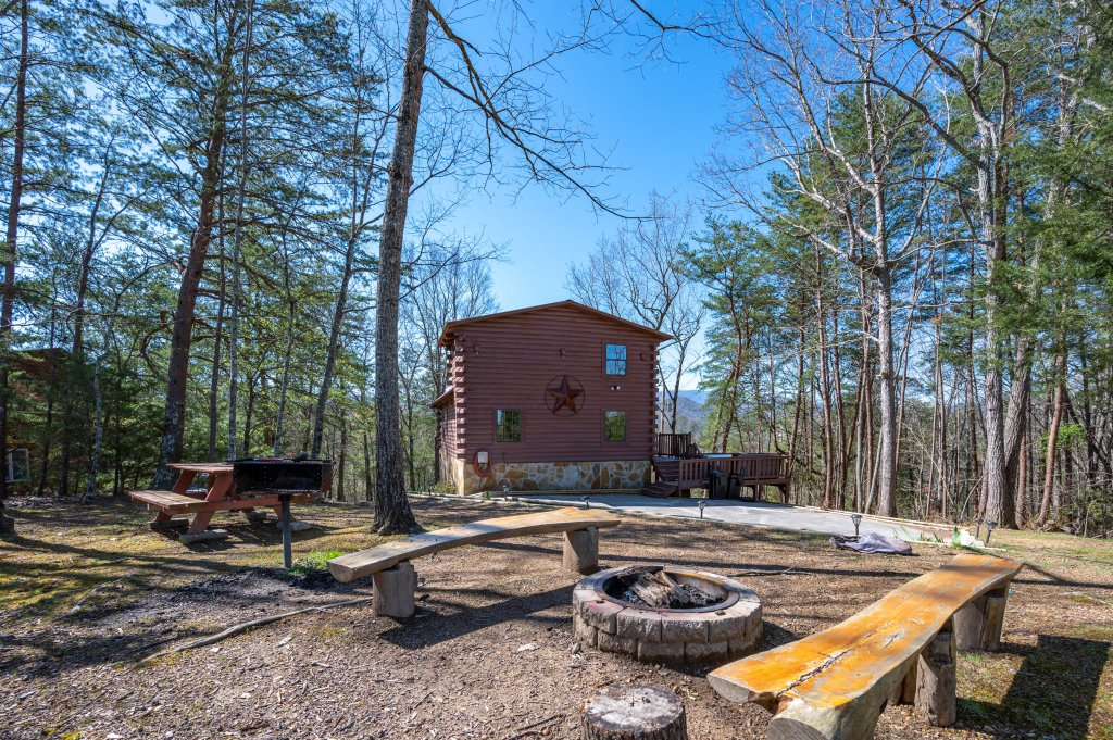 Photo of a Pigeon Forge Cabin named Misty Mountain - This is the seventy-first photo in the set.