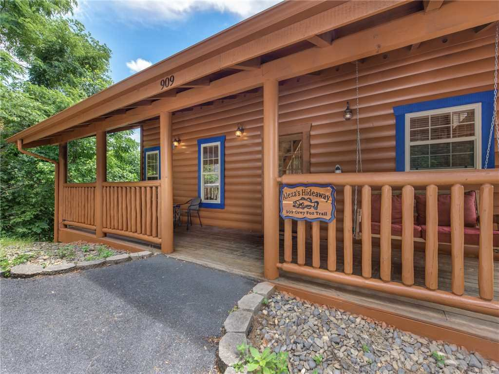 Photo of a Gatlinburg Cabin named Alexas Hideaway - This is the sixth photo in the set.
