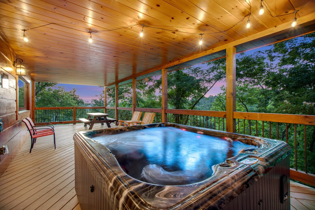 Photo of a Gatlinburg Cabin named Mountainside Escape - This is the first photo in the set.
