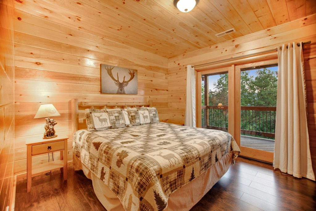Photo of a Gatlinburg Cabin named Mountainside Escape - This is the twelfth photo in the set.