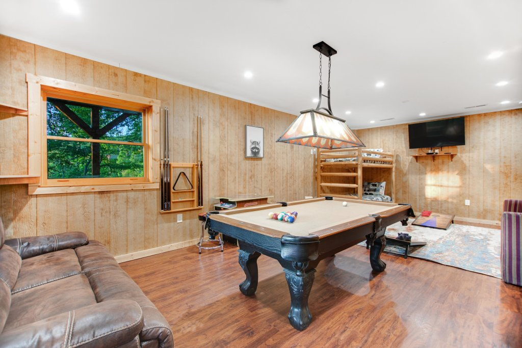 Photo of a Gatlinburg Cabin named Mountainside Escape - This is the twenty-first photo in the set.