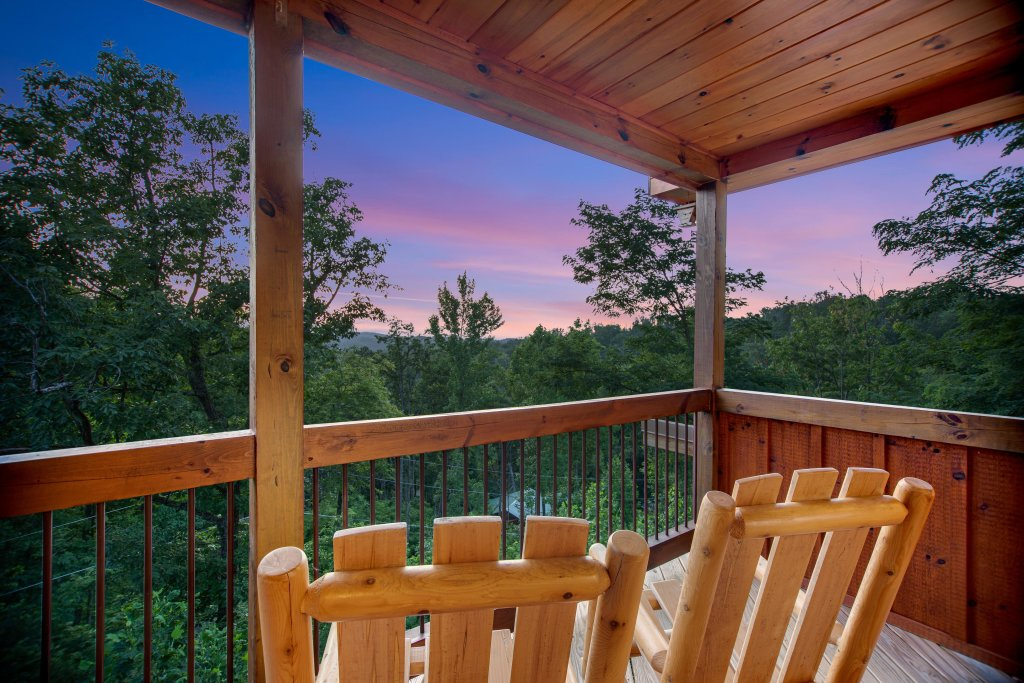 Photo of a Gatlinburg Cabin named Mountainside Escape - This is the thirty-second photo in the set.