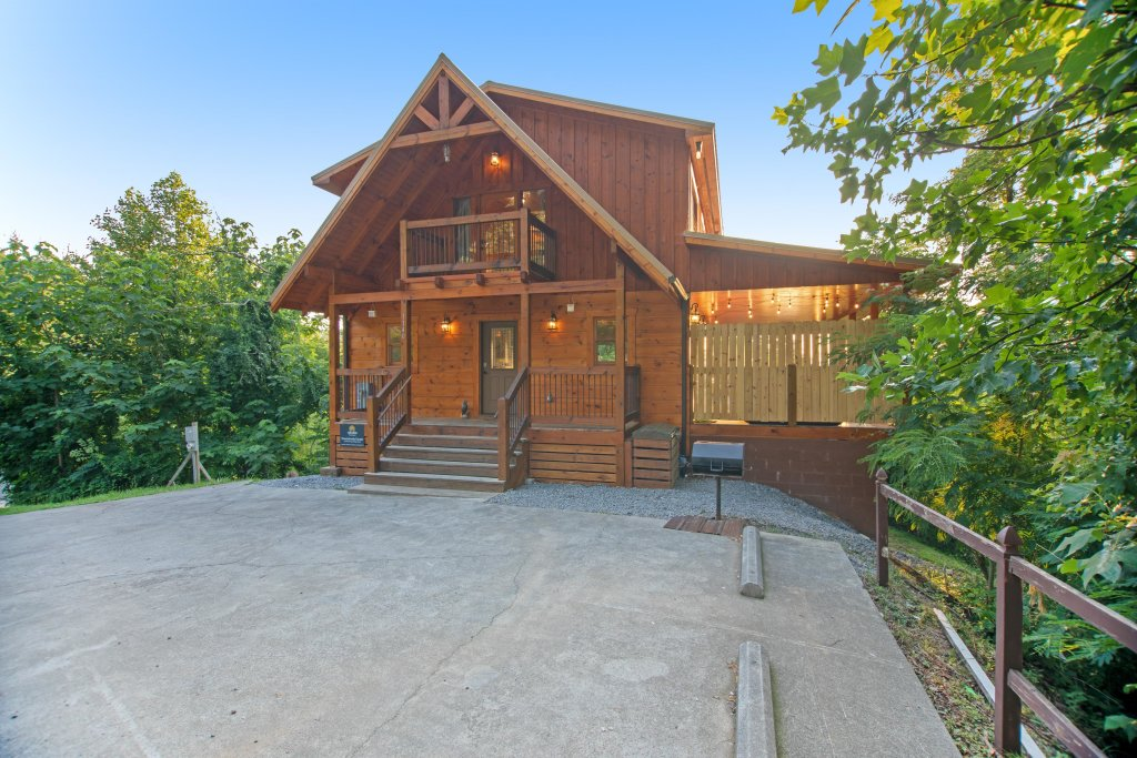 Photo of a Gatlinburg Cabin named Mountainside Escape - This is the thirty-third photo in the set.