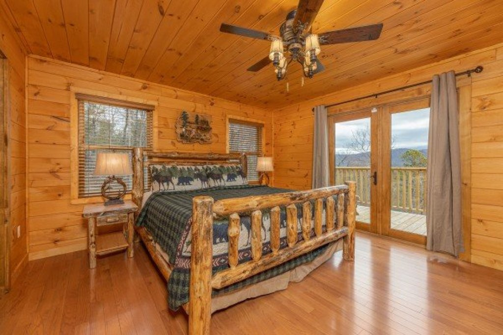 Photo of a Sevierville Cabin named J's Hideaway - This is the ninth photo in the set.