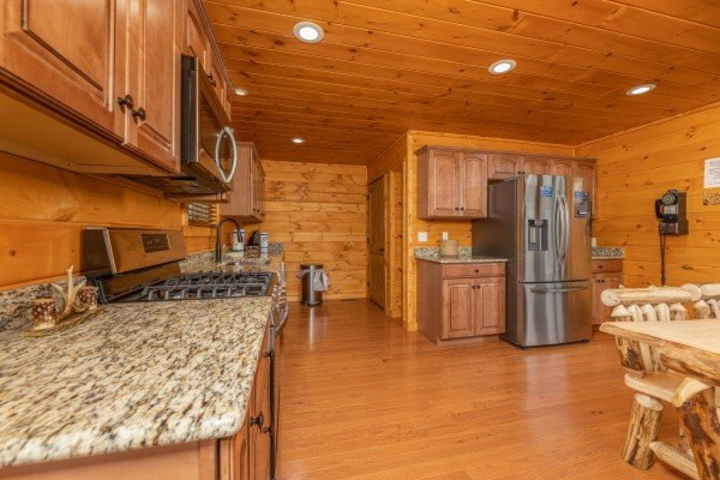 Photo of a Sevierville Cabin named J's Hideaway - This is the seventh photo in the set.