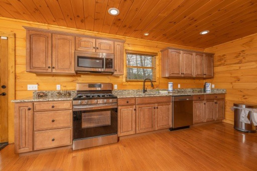 Photo of a Sevierville Cabin named J's Hideaway - This is the sixth photo in the set.
