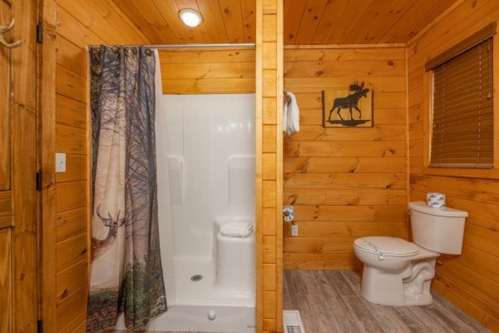 Photo of a Sevierville Cabin named J's Hideaway - This is the thirteenth photo in the set.