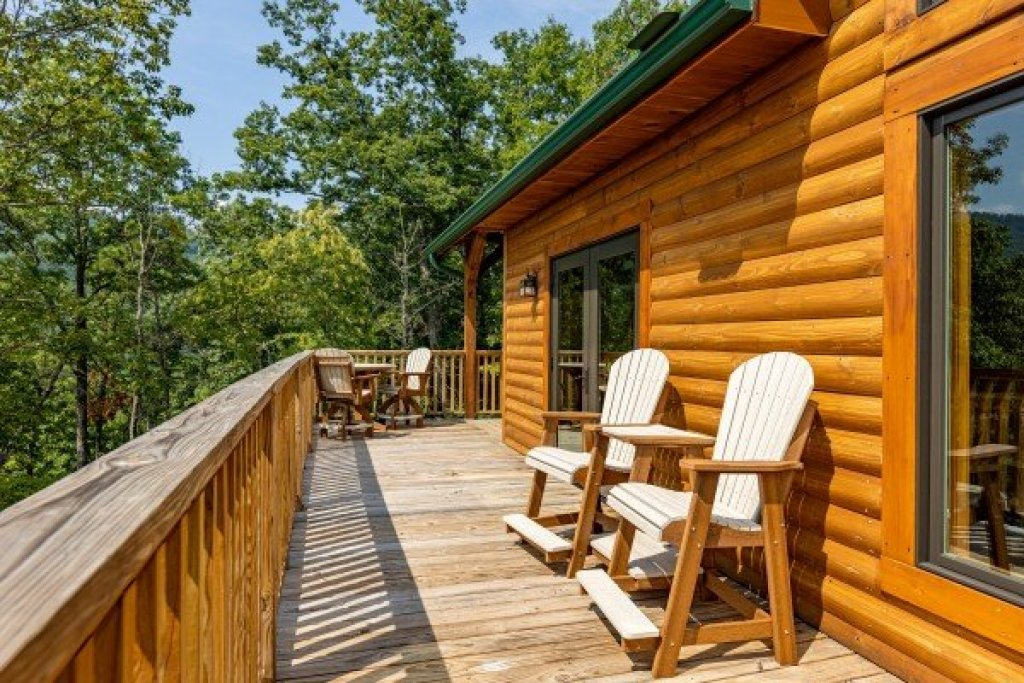 Photo of a Sevierville Cabin named J's Hideaway - This is the seventeenth photo in the set.