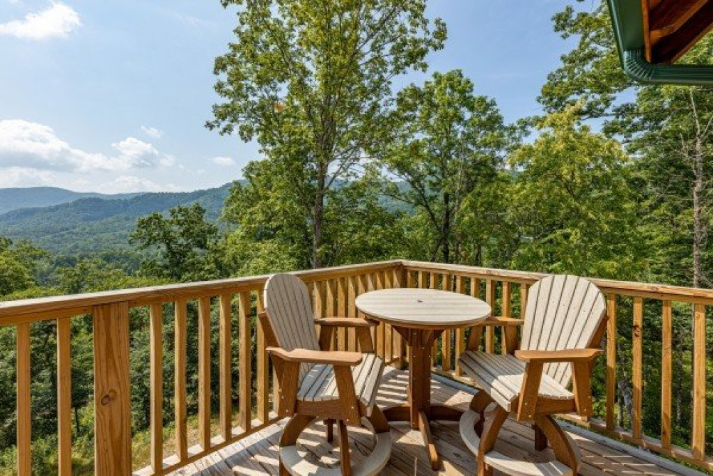 Photo of a Sevierville Cabin named J's Hideaway - This is the eighteenth photo in the set.