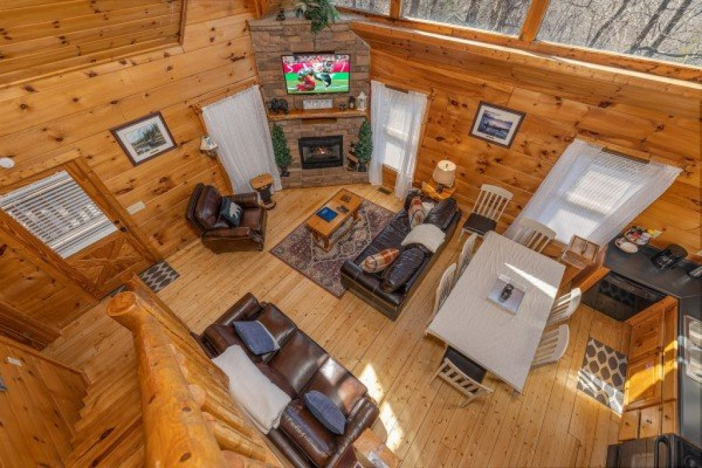 Photo of a Gatlinburg Cabin named Tip Top View - This is the sixteenth photo in the set.