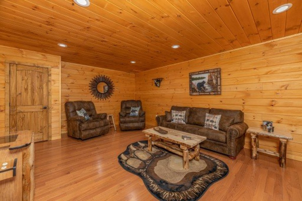 Photo of a Sevierville Cabin named J's Hideaway - This is the thirty-first photo in the set.
