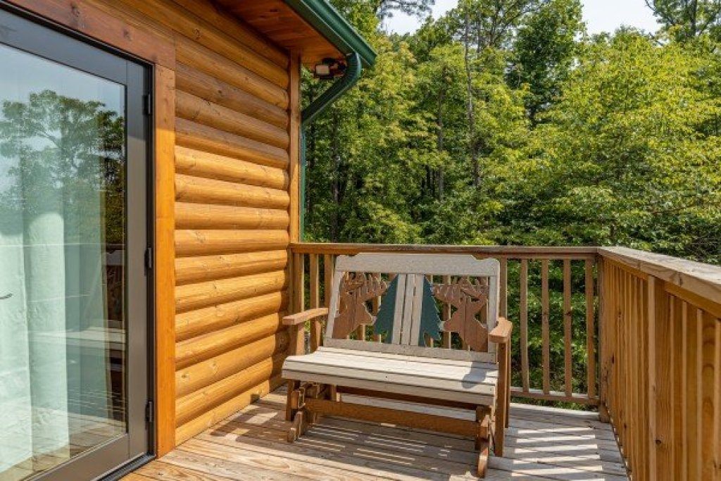 Photo of a Sevierville Cabin named J's Hideaway - This is the forty-first photo in the set.