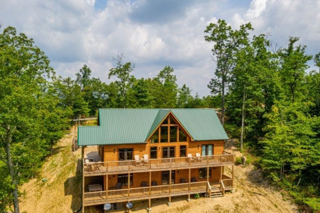 Photo of a Sevierville Cabin named J's Hideaway - This is the forty-sixth photo in the set.