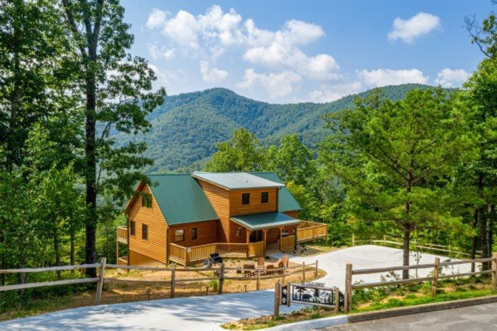 Photo of a Sevierville Cabin named J's Hideaway - This is the forty-ninth photo in the set.
