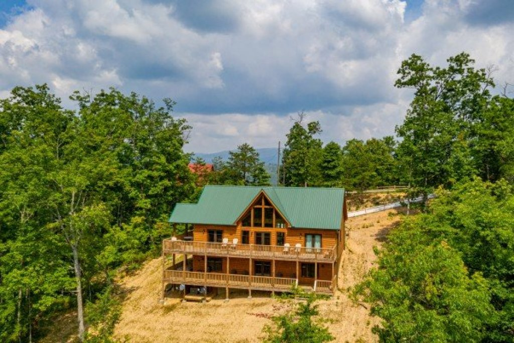 Photo of a Sevierville Cabin named J's Hideaway - This is the forty-seventh photo in the set.