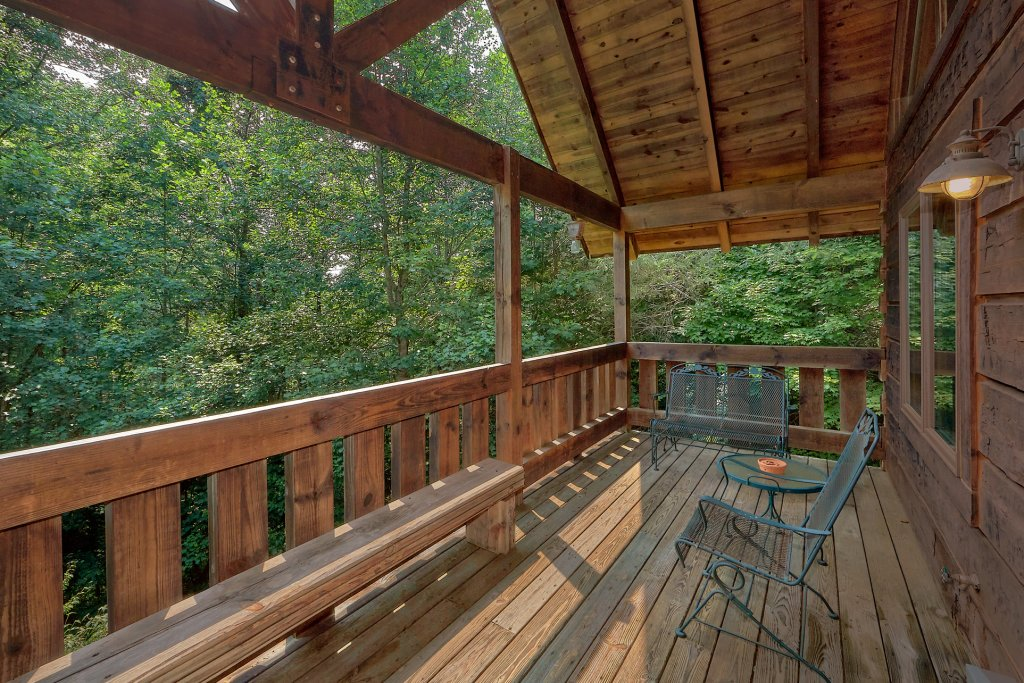 Photo of a Gatlinburg Cabin named Eagles Roost - This is the fourth photo in the set.