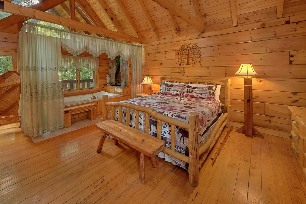 Photo of a Gatlinburg Cabin named Eagles Roost - This is the sixteenth photo in the set.