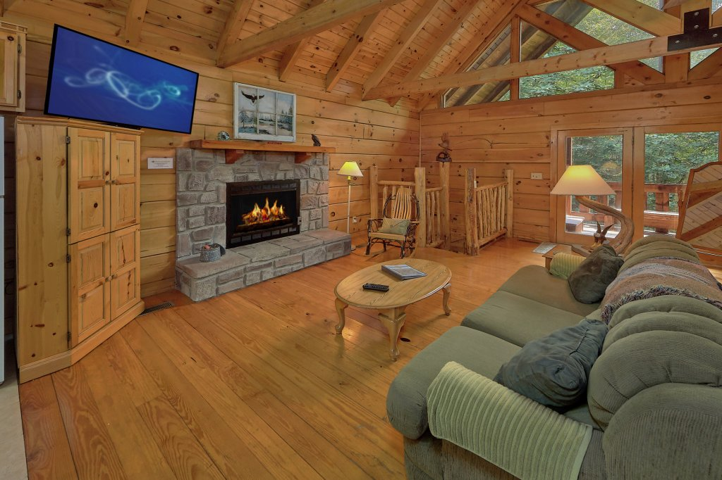 Photo of a Gatlinburg Cabin named Eagles Roost - This is the thirteenth photo in the set.