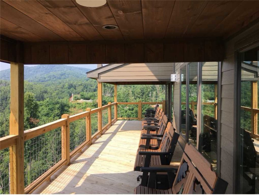 Photo of a Gatlinburg Cabin named Breathless Views - This is the second photo in the set.