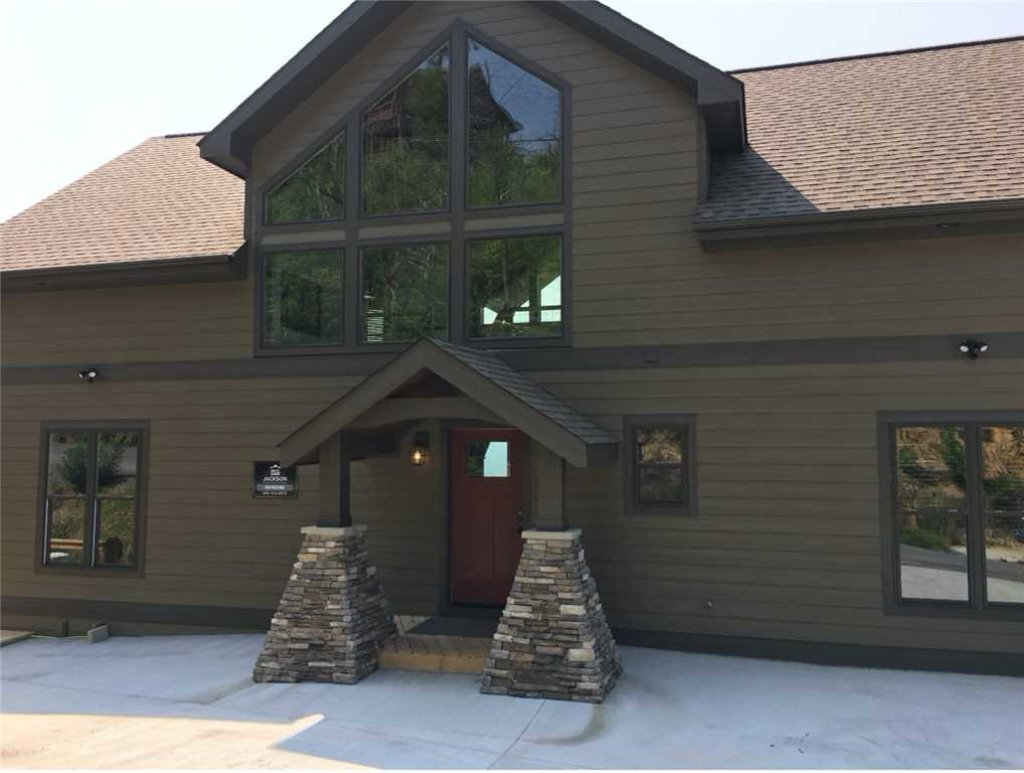 Photo of a Gatlinburg Cabin named Breathless Views - This is the first photo in the set.