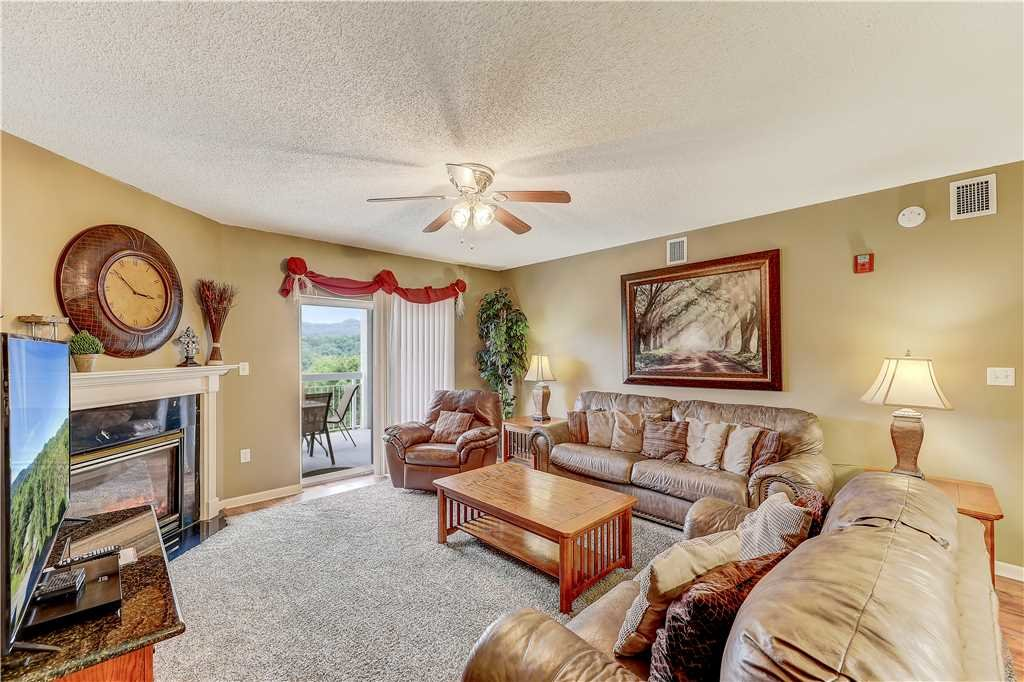 Photo of a Pigeon Forge Condo named Smoky Mountain Dream Whispering Pines 641 - This is the fourth photo in the set.