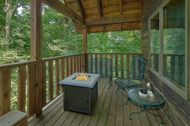 The Perfect Romantic Getaway Cabin1