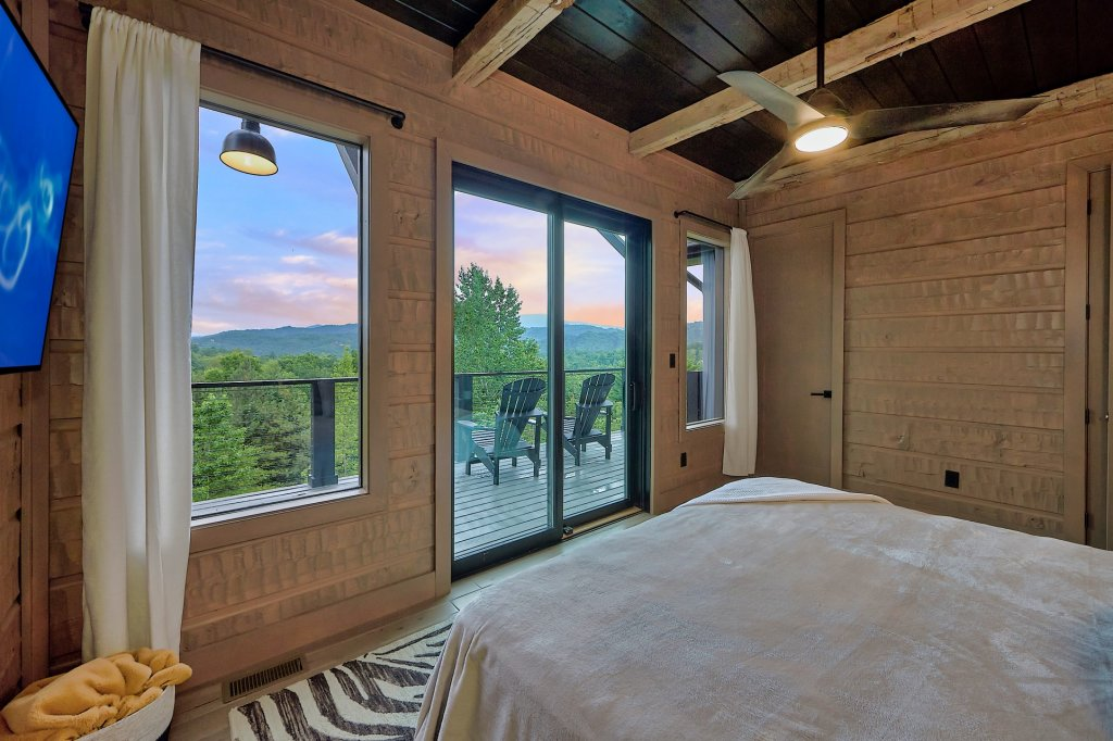 Photo of a Sevierville Cabin named Endless View - This is the forty-second photo in the set.