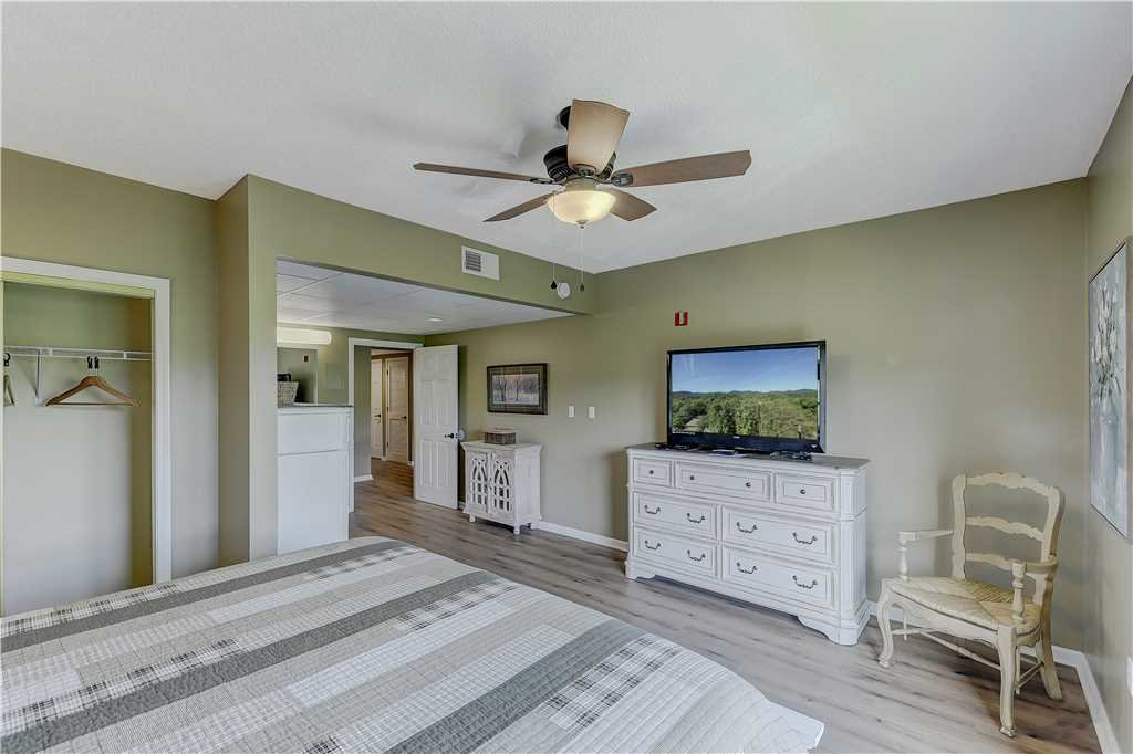 Photo of a Pigeon Forge Condo named Splendor At The Pines Whispering Pines 443 - This is the sixteenth photo in the set.