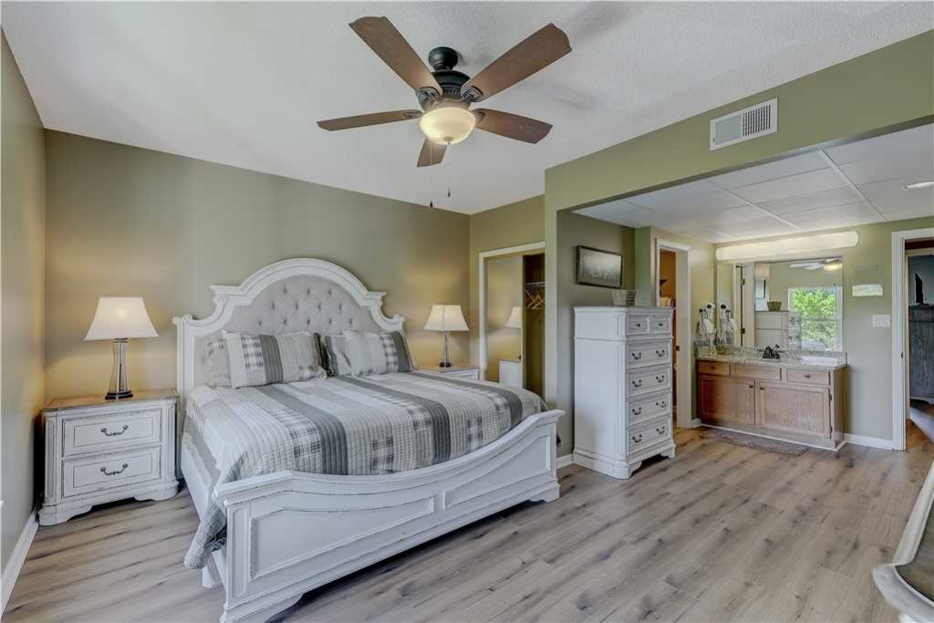 Photo of a Pigeon Forge Condo named Splendor At The Pines Whispering Pines 443 - This is the fifteenth photo in the set.