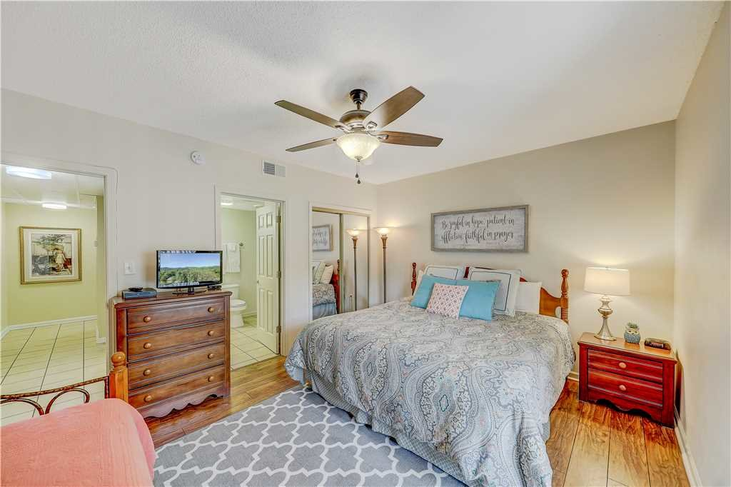 Photo of a Pigeon Forge Condo named Peaceful Retreat Whispering Pines 104 - This is the eighteenth photo in the set.