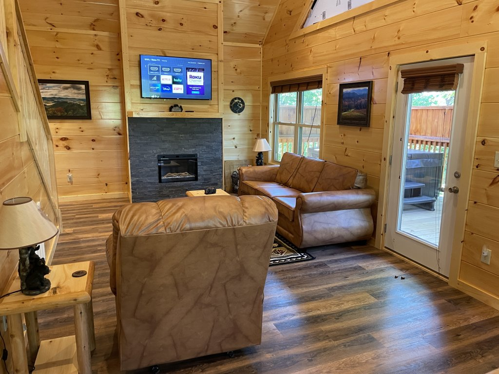 Photo of a Pigeon Forge Cabin named Harmony In The Valley - This is the ninth photo in the set.