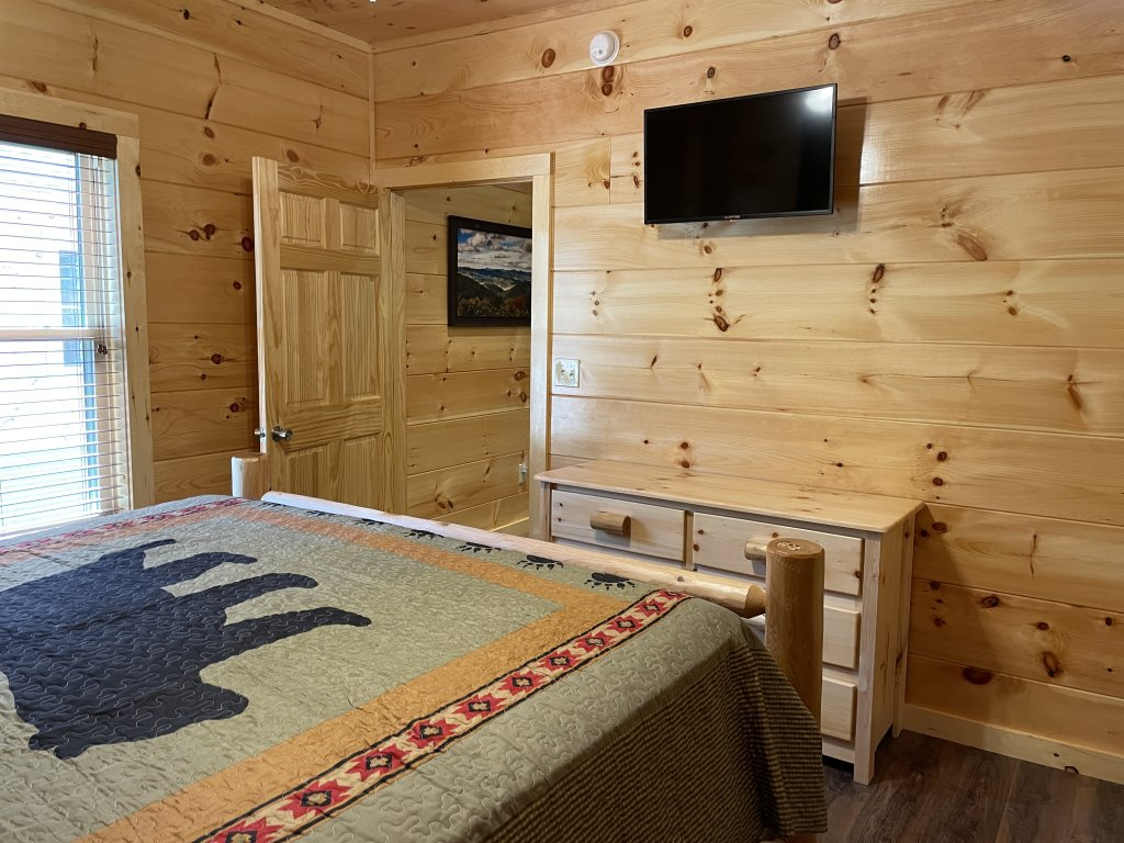 Photo of a Pigeon Forge Cabin named Harmony In The Valley - This is the thirteenth photo in the set.