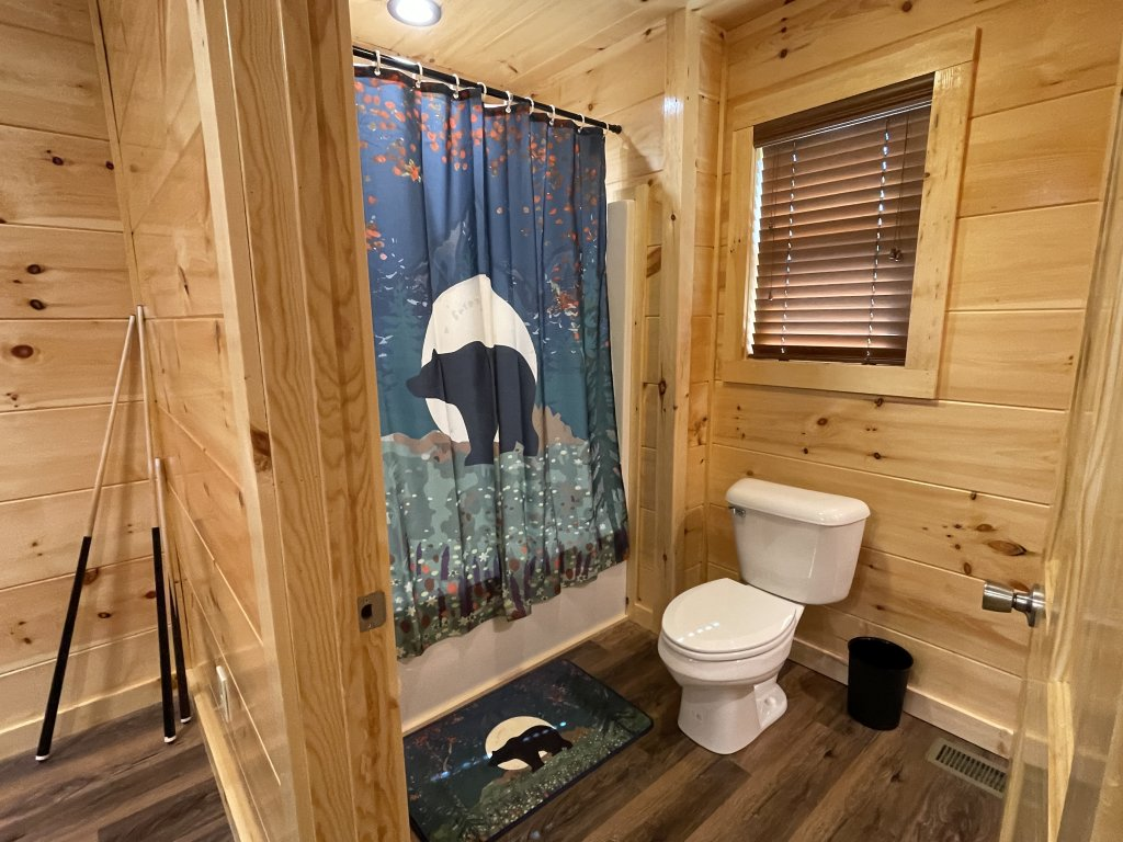 Photo of a Pigeon Forge Cabin named Harmony In The Valley - This is the fourteenth photo in the set.