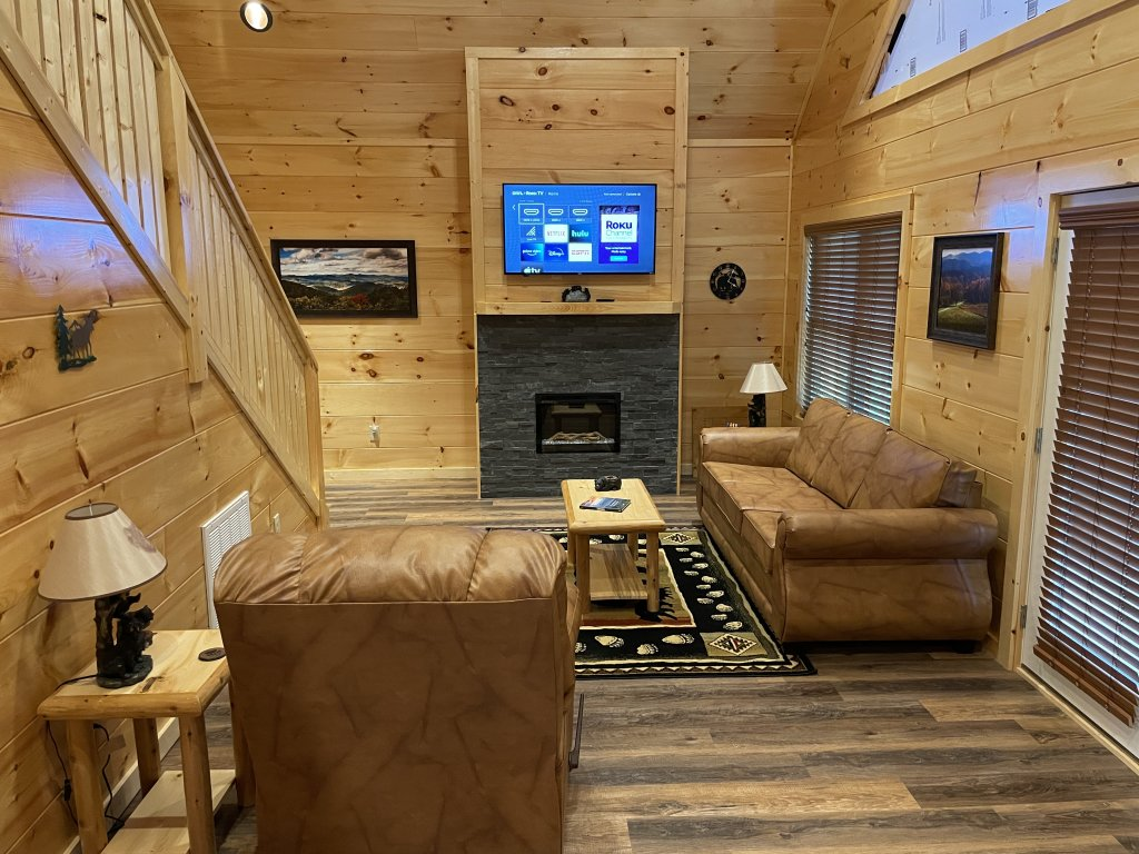 Photo of a Pigeon Forge Cabin named Harmony In The Valley - This is the tenth photo in the set.
