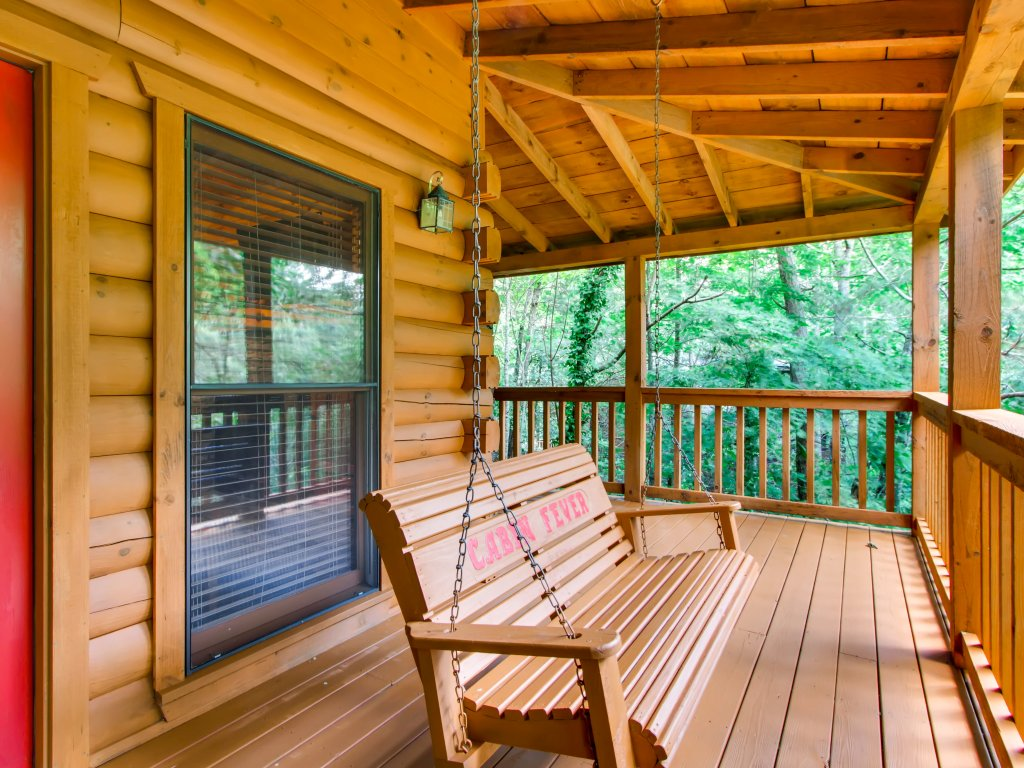 Photo of a Sevierville Cabin named Cabin Fever #117 - This is the twenty-third photo in the set.