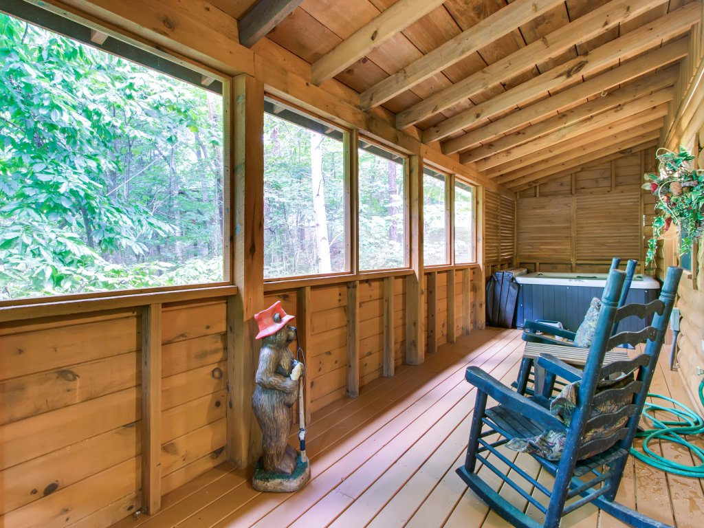 Photo of a Sevierville Cabin named Cabin Fever #117 - This is the eighteenth photo in the set.