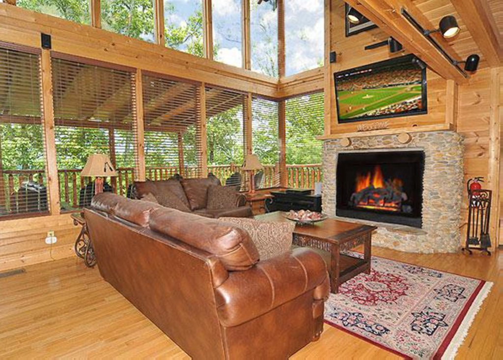 Photo of a Sevierville Cabin named Halfway To Heaven #40 - This is the first photo in the set.