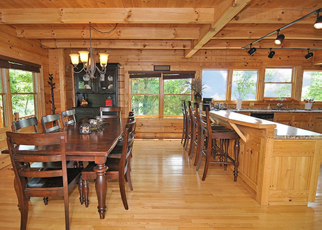 Photo of a Sevierville Cabin named Halfway To Heaven #40 - This is the fifth photo in the set.