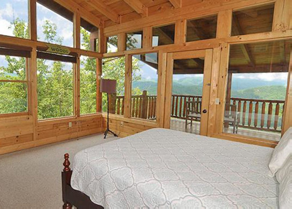 Photo of a Sevierville Cabin named Halfway To Heaven #40 - This is the twelfth photo in the set.