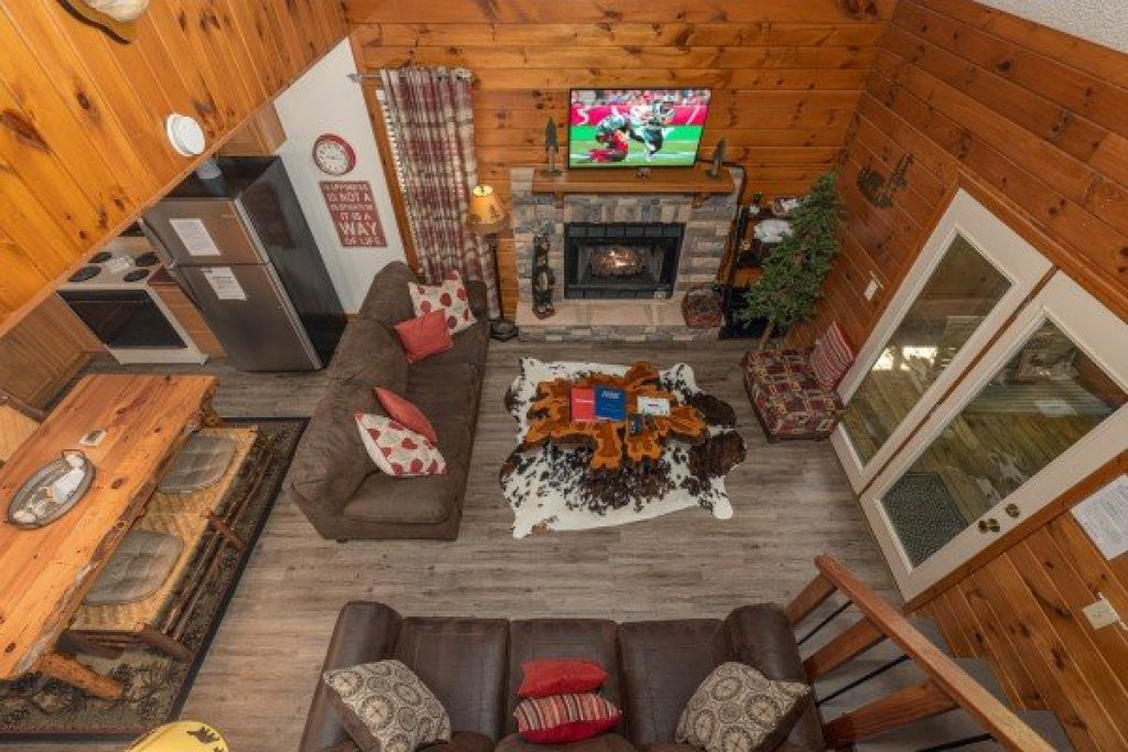 Photo of a Sevierville Cabin named Magic Moments - This is the sixteenth photo in the set.