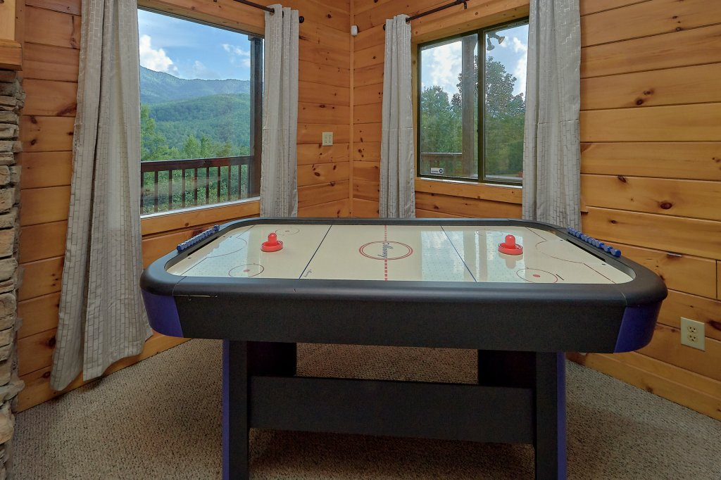 Photo of a Gatlinburg Cabin named Mountain Haven - This is the ninth photo in the set.