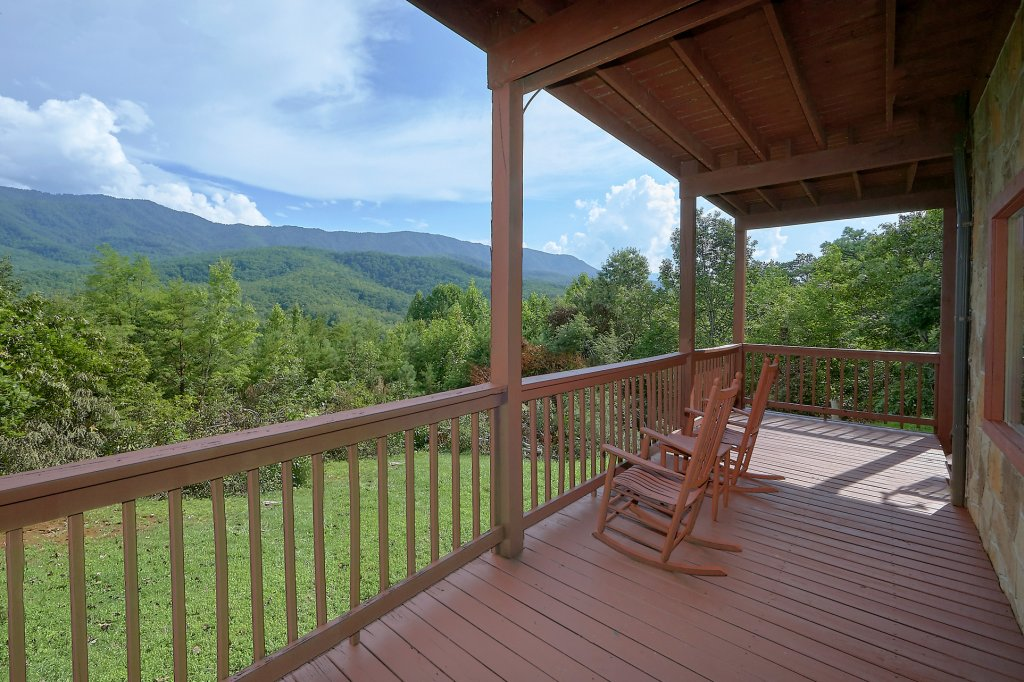 Photo of a Gatlinburg Cabin named Mountain Haven - This is the sixth photo in the set.