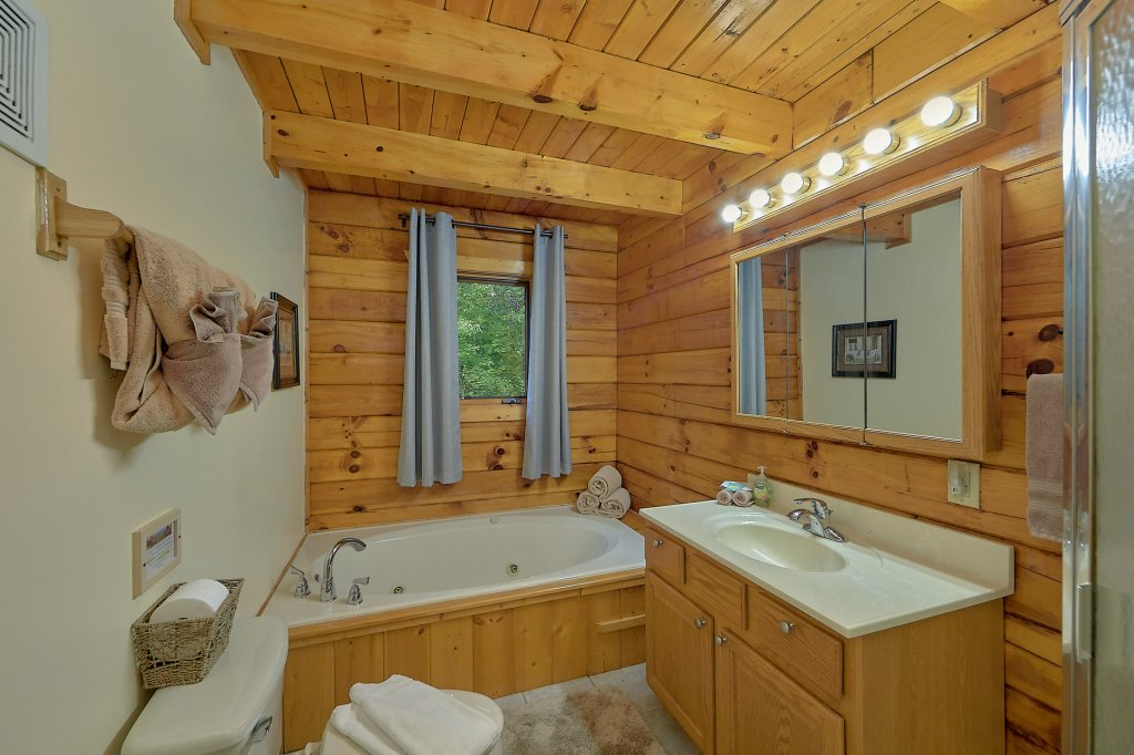 Photo of a Gatlinburg Cabin named Mountain Haven - This is the twenty-seventh photo in the set.