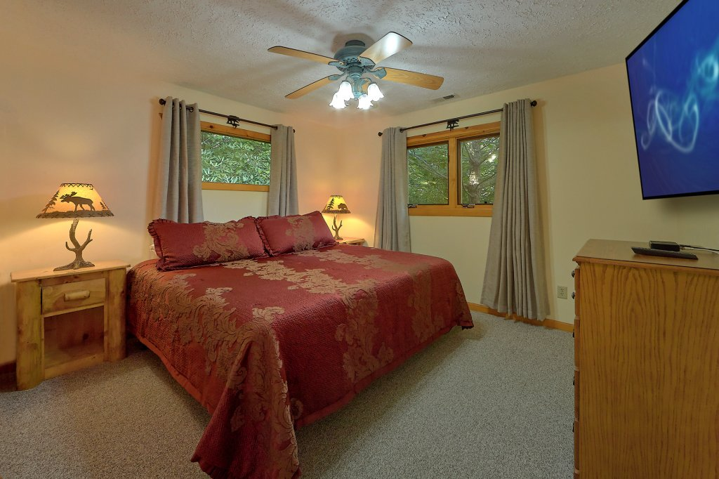 Photo of a Gatlinburg Cabin named Mountain Haven - This is the twenty-eighth photo in the set.