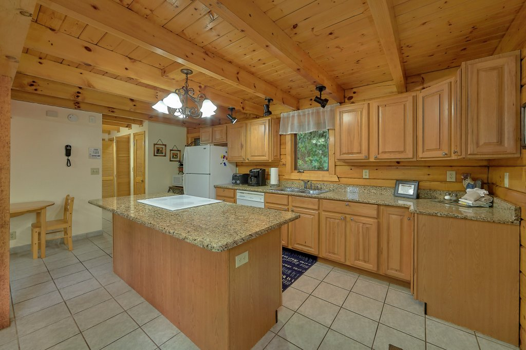 Photo of a Gatlinburg Cabin named Mountain Haven - This is the eighteenth photo in the set.