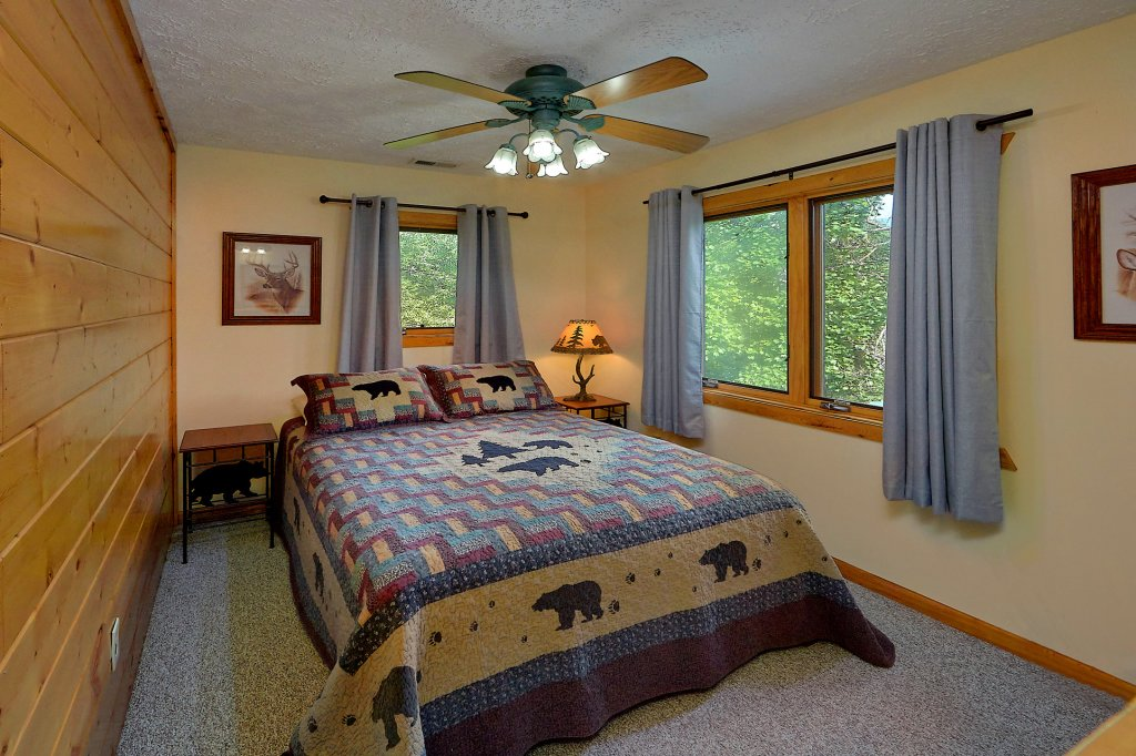 Photo of a Gatlinburg Cabin named Mountain Haven - This is the twenty-second photo in the set.