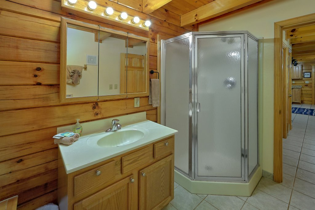 Photo of a Gatlinburg Cabin named Mountain Haven - This is the twenty-ninth photo in the set.