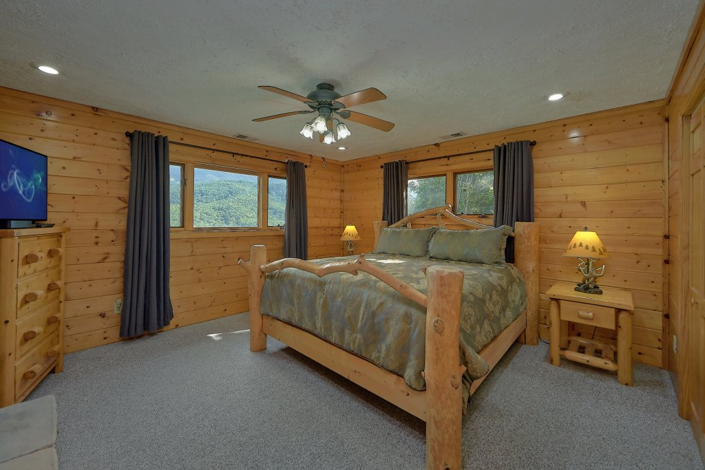 Photo of a Gatlinburg Cabin named Mountain Haven - This is the twenty-fifth photo in the set.