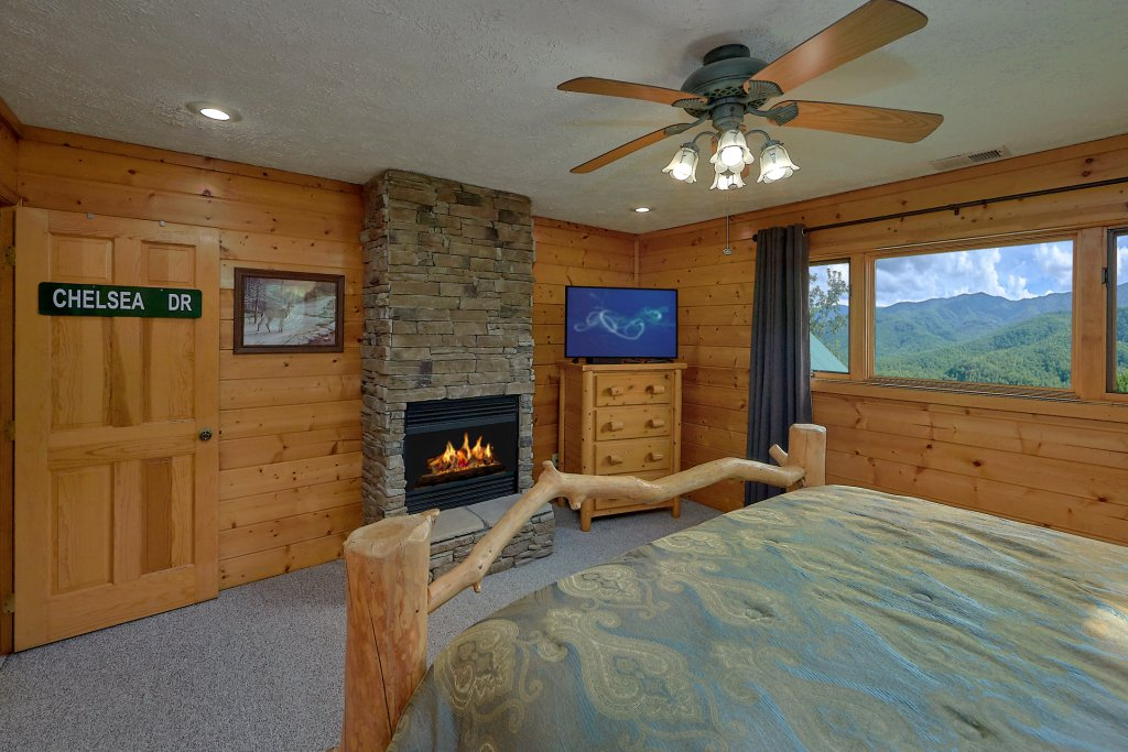 Photo of a Gatlinburg Cabin named Mountain Haven - This is the twenty-sixth photo in the set.