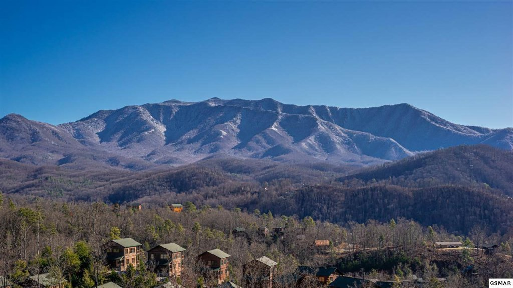 Photo of a Gatlinburg Cabin named Bear Splash Adventure - This is the first photo in the set.